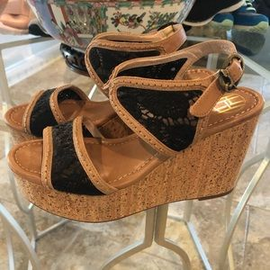House of Harlow Wedges